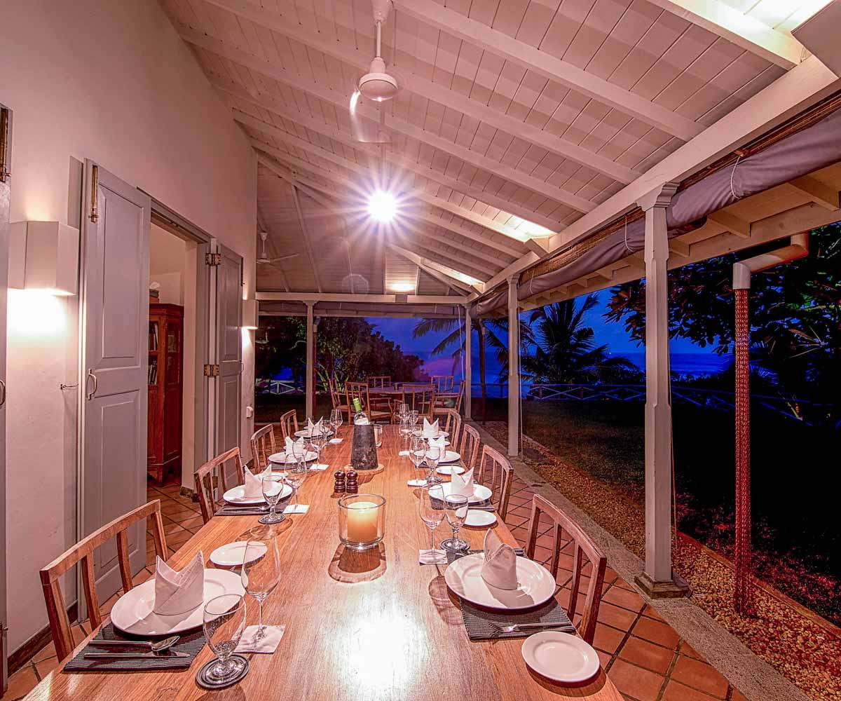 Luxury Vacation Homes: Book Villa Suriyawatta, Luxury Vacation Rentals By ZEKKEI